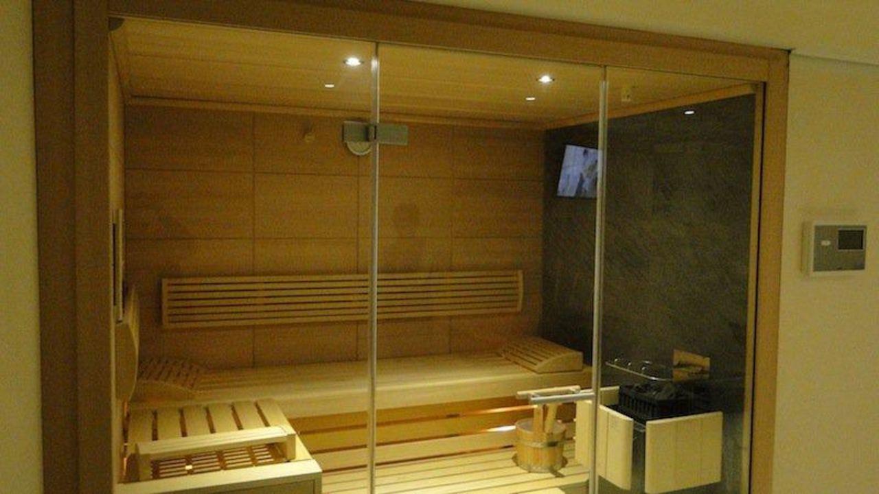 """Moderne Sauna moderne sauna von klafs im hotel markus"""" hotel garni markus"""