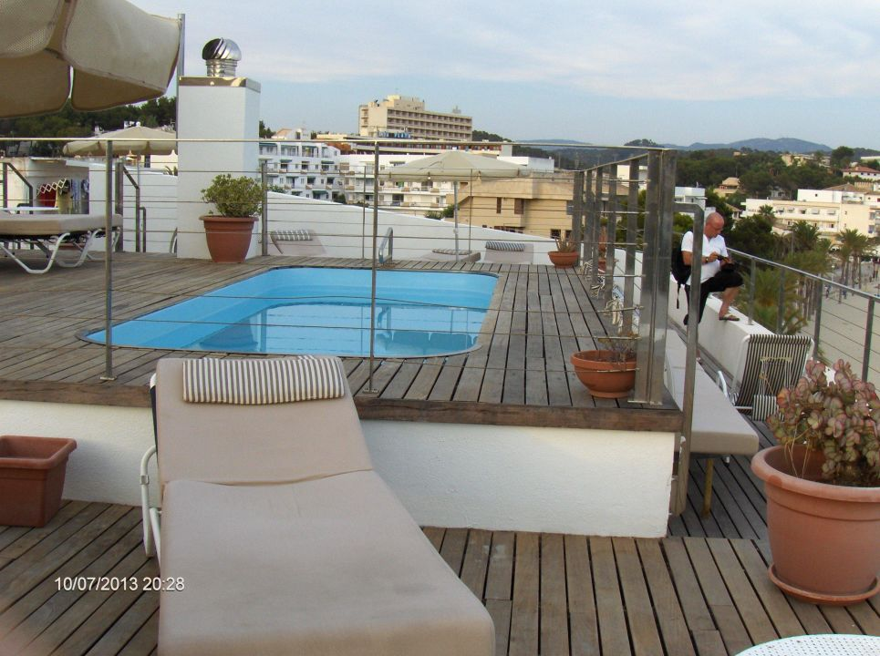 pool auf der dachterrasse hotel carabela peguera holidaycheck mallorca spanien. Black Bedroom Furniture Sets. Home Design Ideas