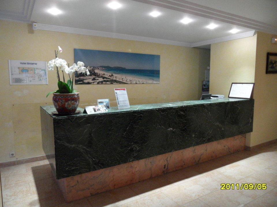 Die Rezeption Hotel Biniamar
