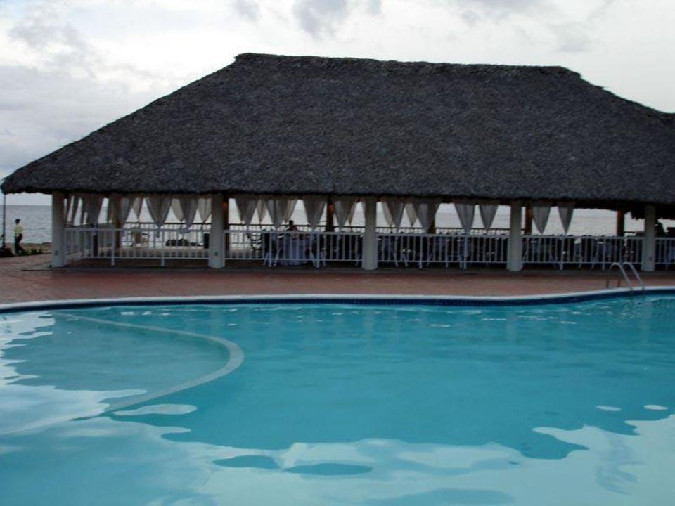 Grillrestaurant am Beach mit Pool Hotel Viva Wyndham Dominicus Palace