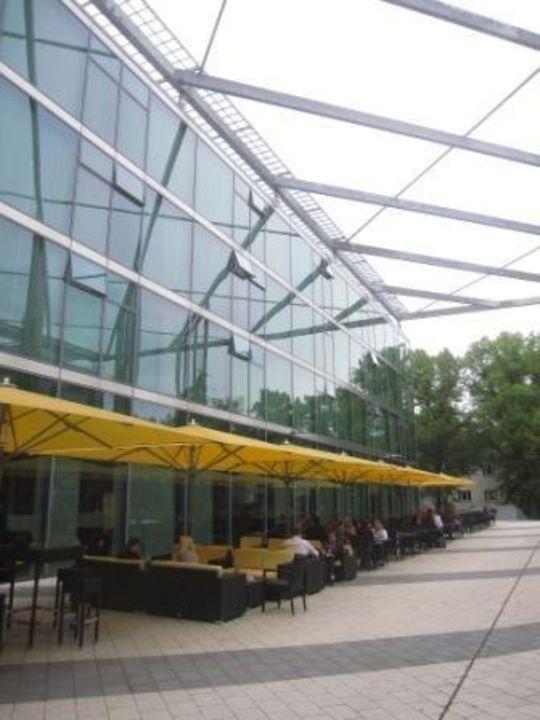Bei Schönem Wetter Wird Draußen Gefrühstückt Seminaris Campushotel