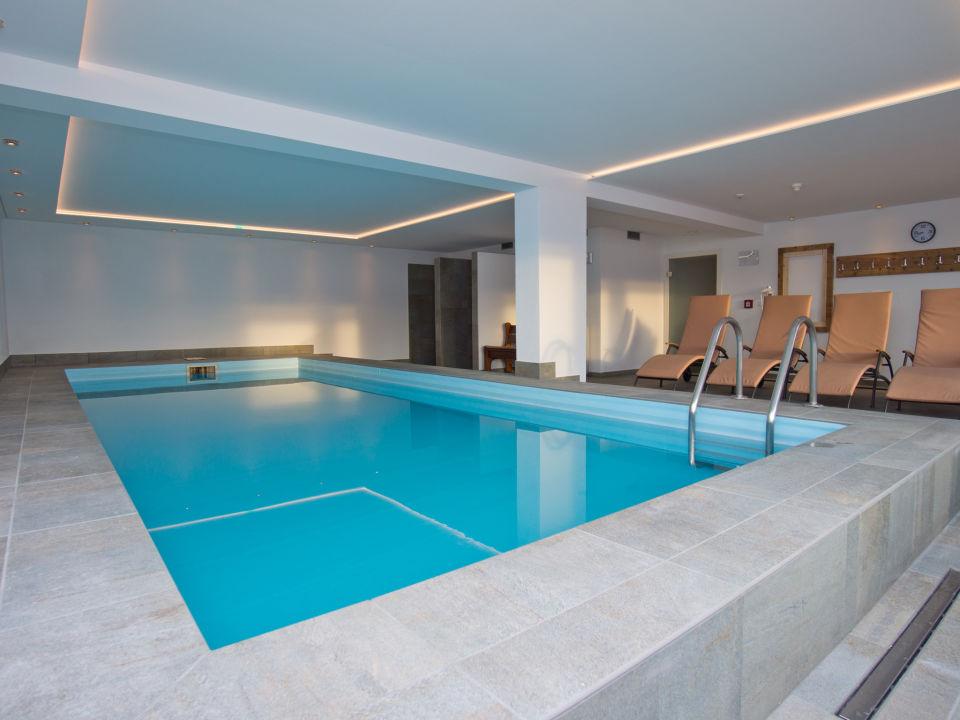 Pool Hotel Oberlechner