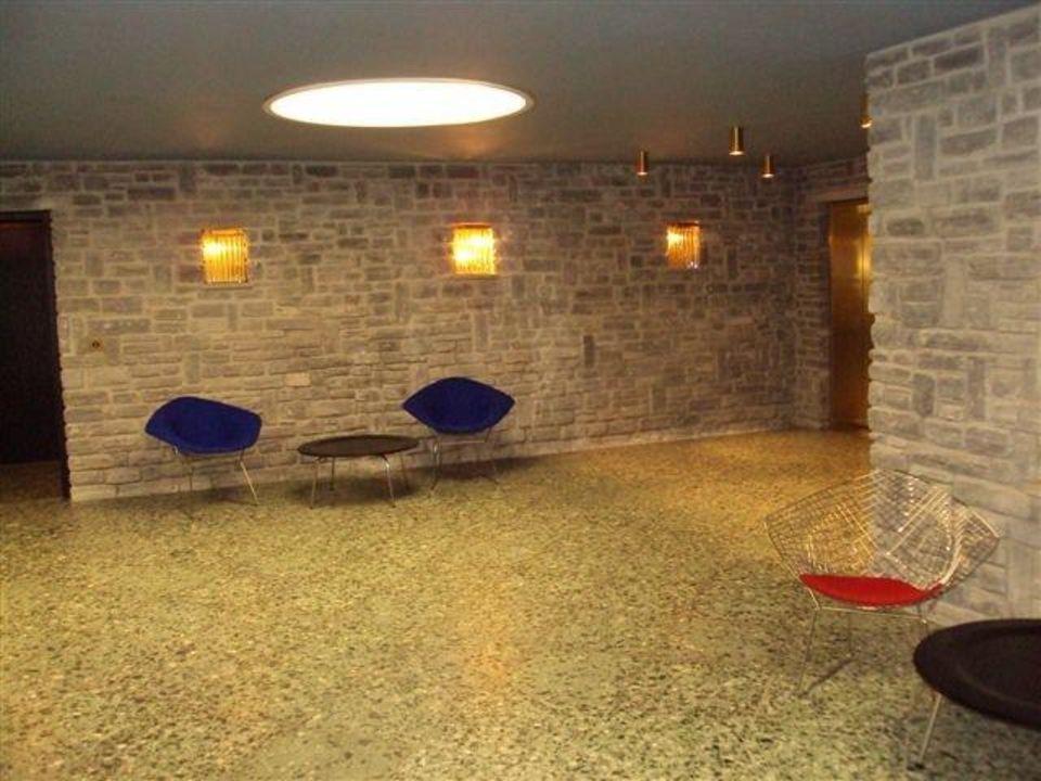 Unterer Eingang für Gäste 7132 Hotel