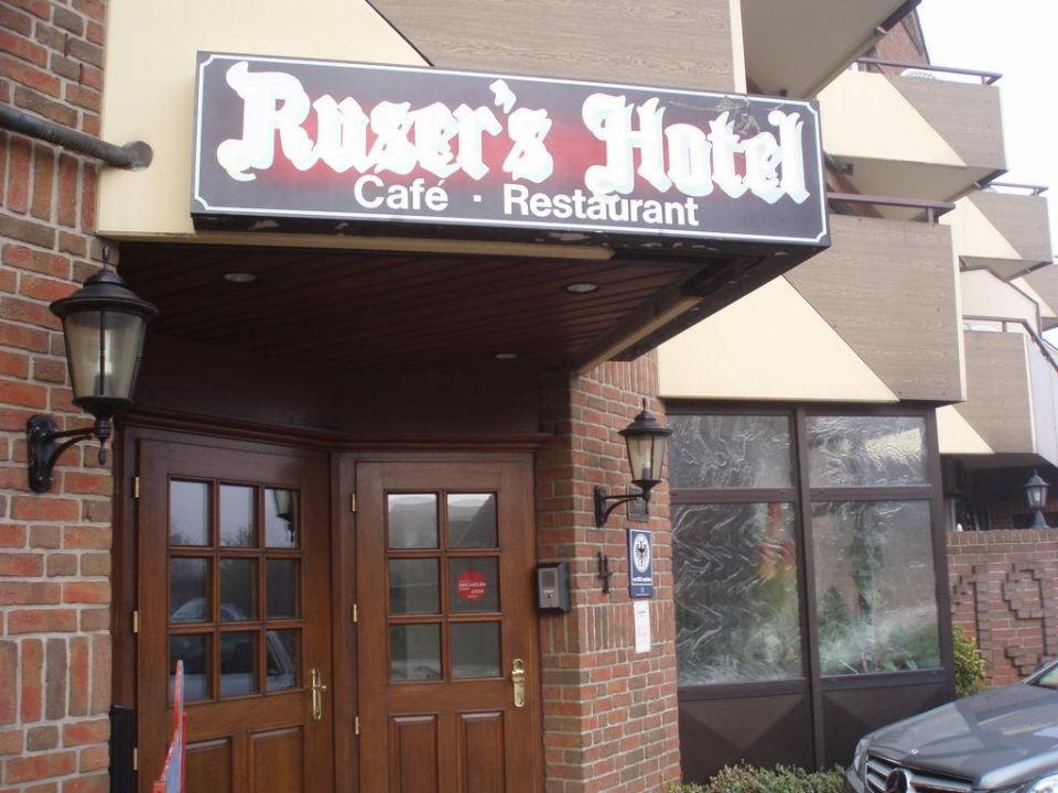 Eingang Restaurant und Hotel Ruser's Hotel