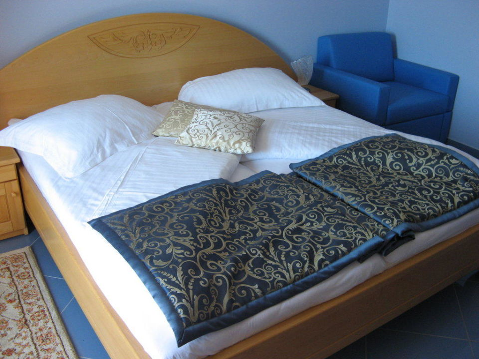 bett hotel miramare vodice holidaycheck dalmatien kroatien. Black Bedroom Furniture Sets. Home Design Ideas