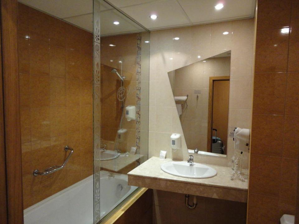 bild badezimmer zu hotel atlas in goldstrand