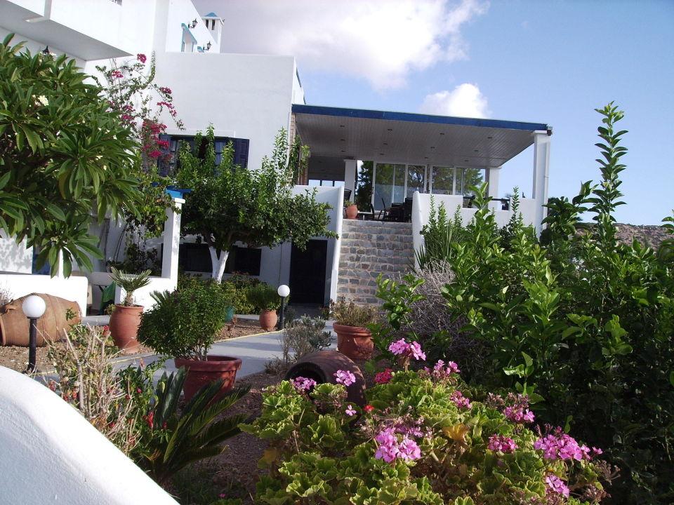 Treppe Von Der Fruhstucks Terrasse Zum Garten Hotel Argo Amoopi
