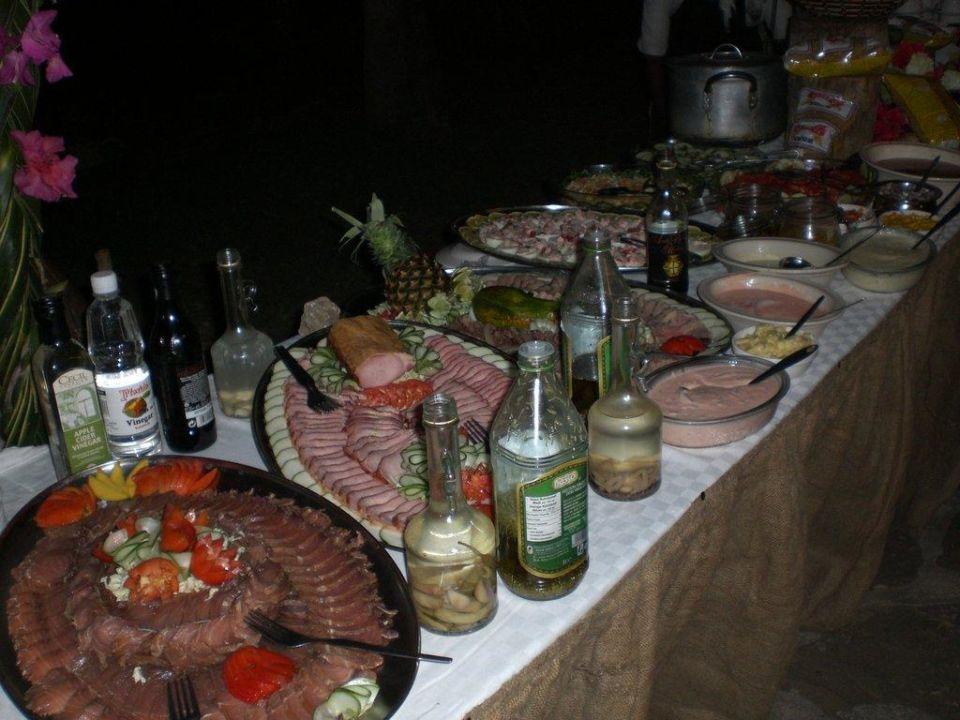 Valentins Speziallbuffet Bahari Beach Hotel