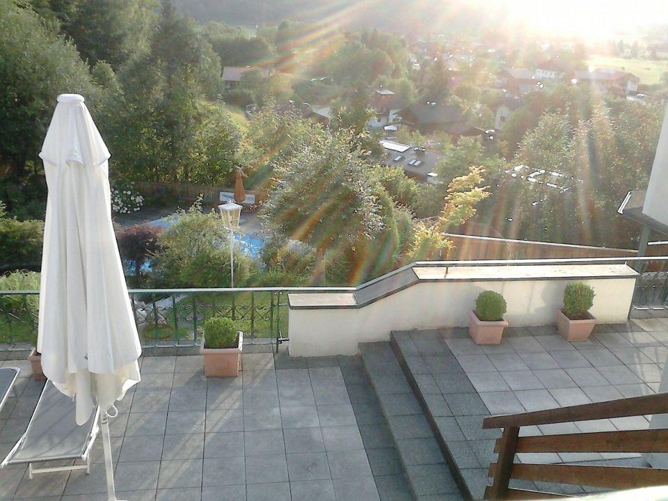 Schöne Terrassen schöne terrassen alparella vital resort adnet holidaycheck