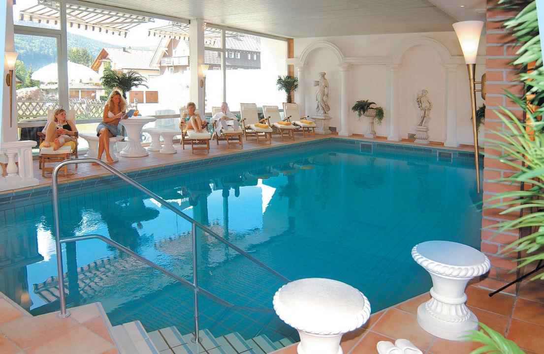 bade und saunalandschaft im hotel parkhotel waldeck titisee neustadt holidaycheck baden. Black Bedroom Furniture Sets. Home Design Ideas