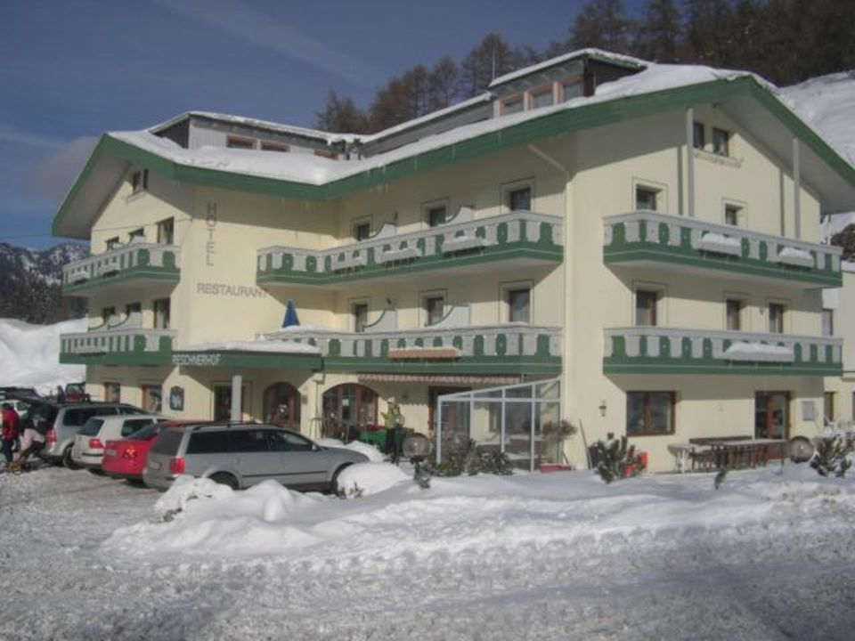 Winteransicht außen Hotel Reschnerhof