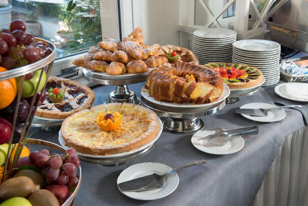 Buffet breakfast Hotel Degli Aranci