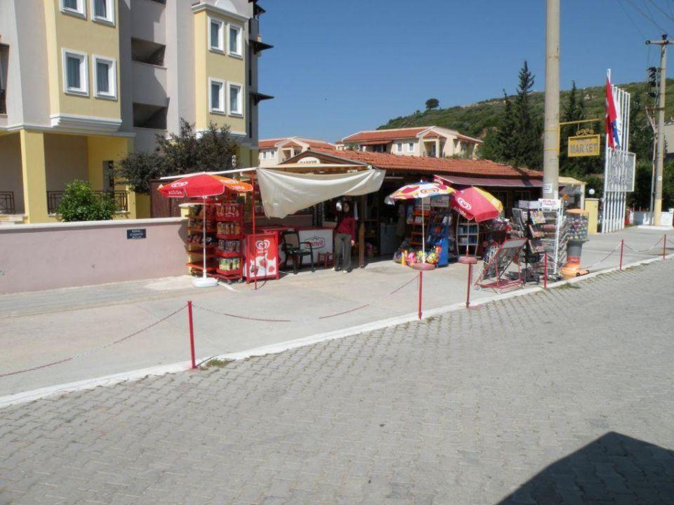 Minimarkt vor dem Hotel Club Yali Hotels & Resort