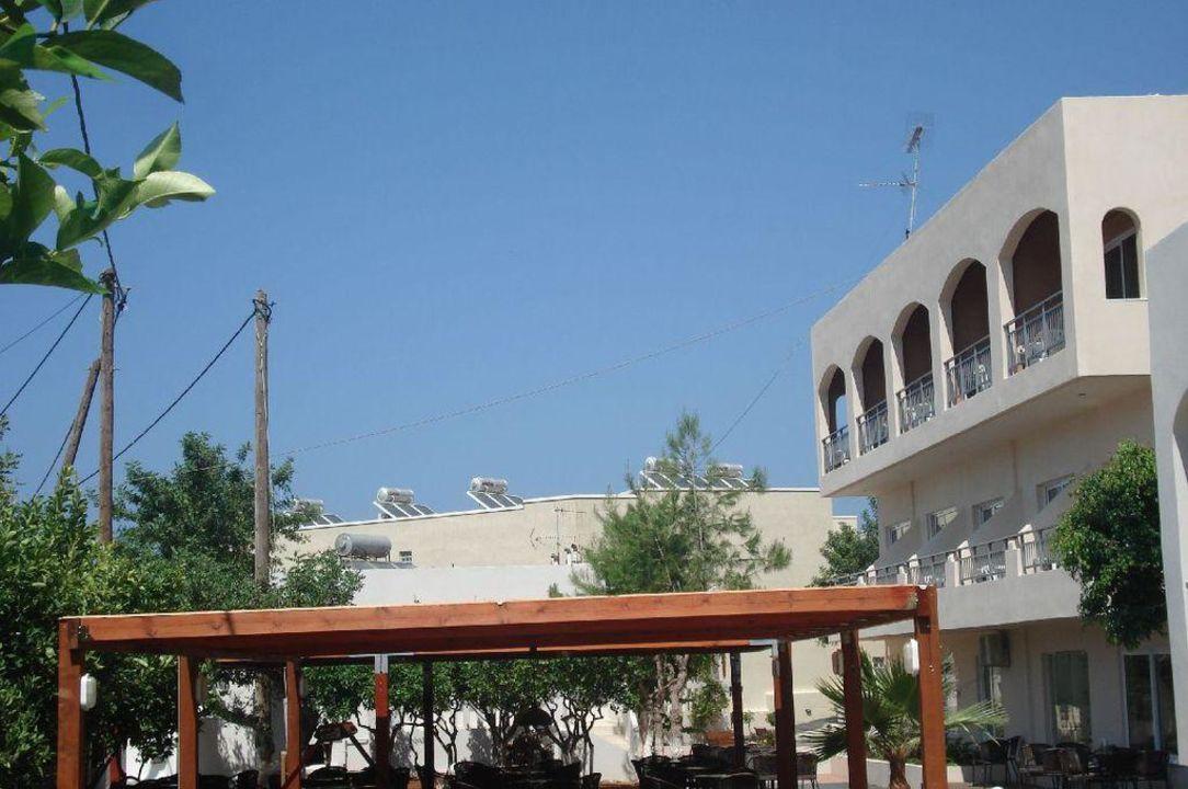 Blick auf Nebengebäude Eurohotel Katrin Hotel & Bungalows
