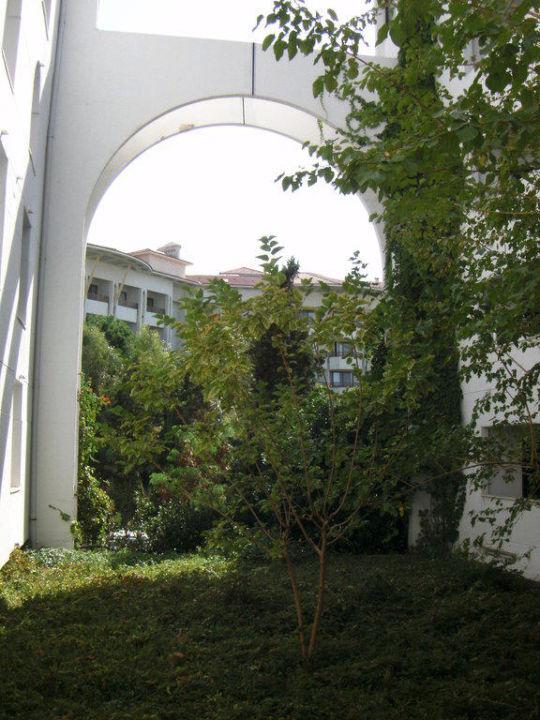 Innenhof Cesars Resort Side