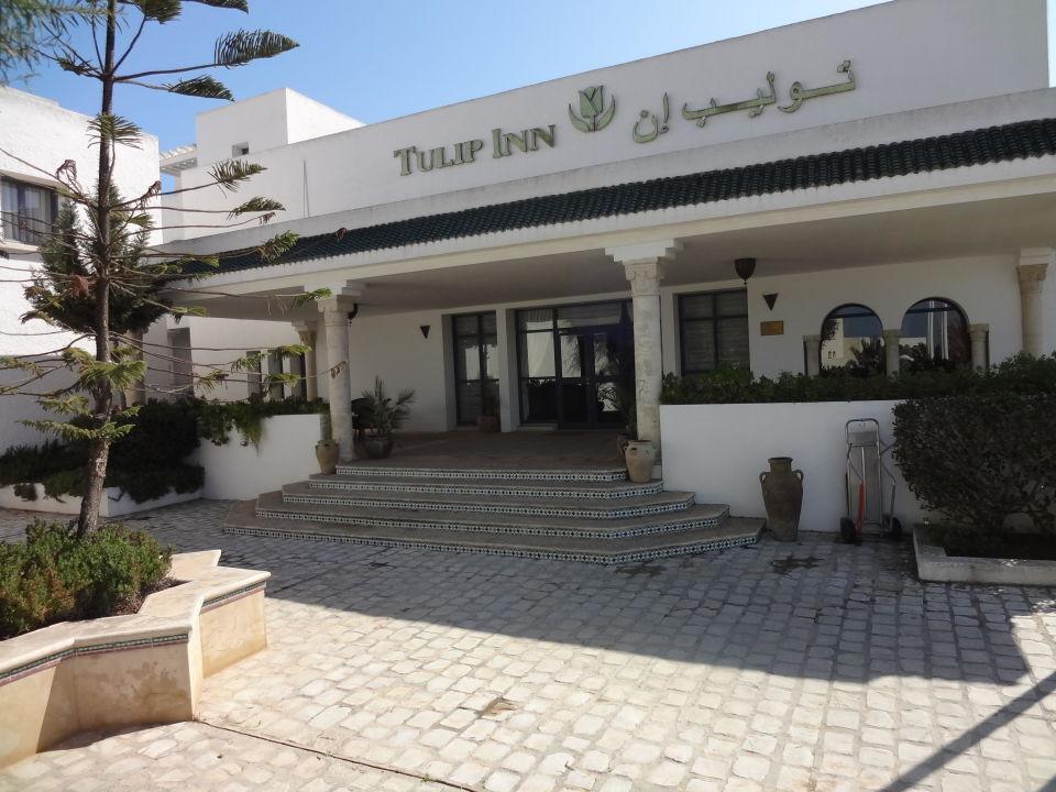 Main Entrance Golden Tulip Carthage Résidence