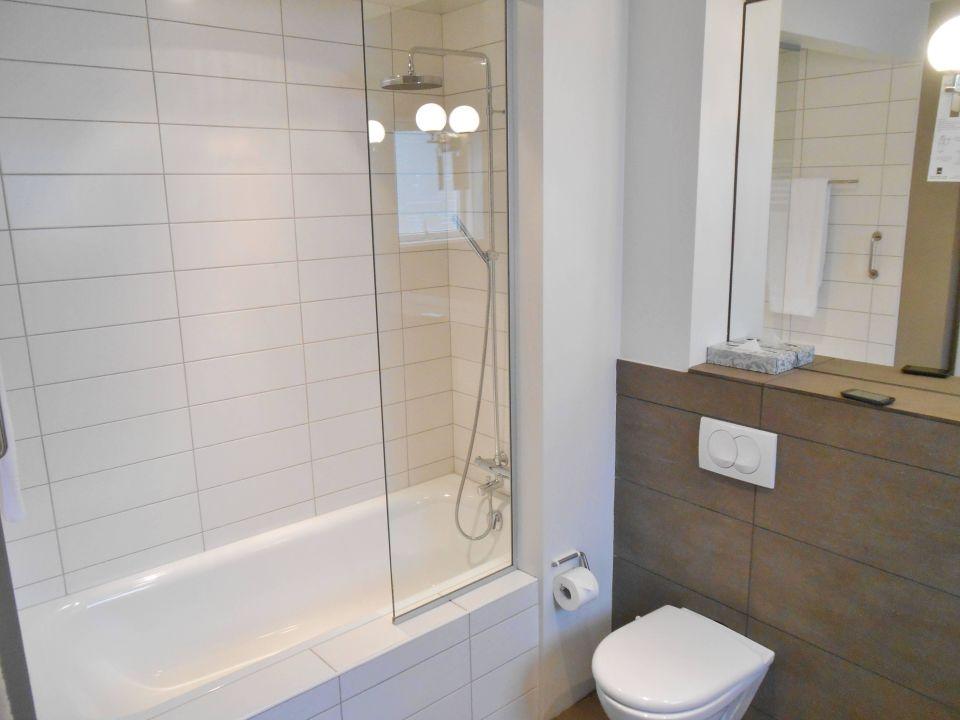 regendusche f r badewanne zs77 hitoiro. Black Bedroom Furniture Sets. Home Design Ideas