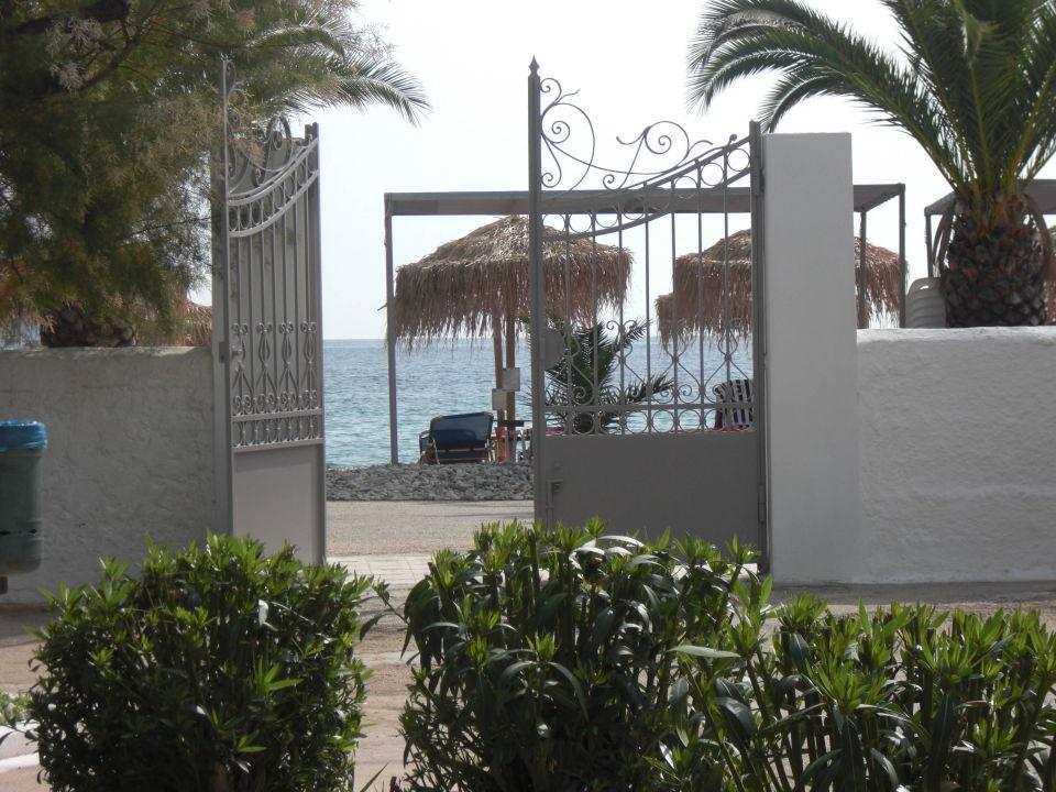 Eingang  The Grove Seaside Hotel