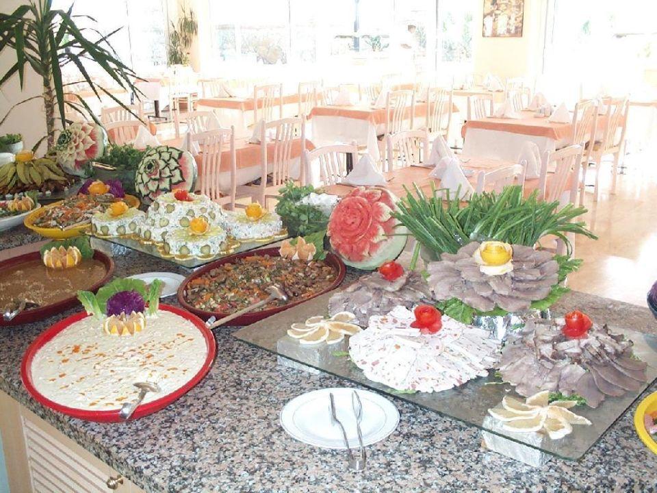 Ein Teil des Vorspeisenbuffets Beach Club Doganay