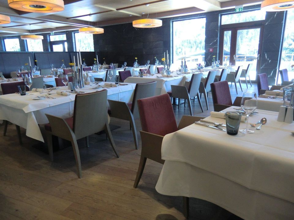 hauptrestaurant theo s travel charme ifen hotel kleinwalsertal hirschegg holidaycheck. Black Bedroom Furniture Sets. Home Design Ideas