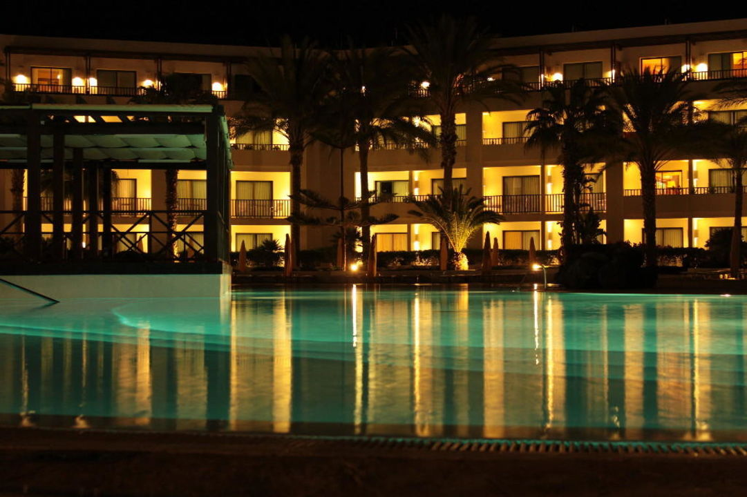 Pool bei Nacht Secrets Lanzarote Resort & Spa - Adults only