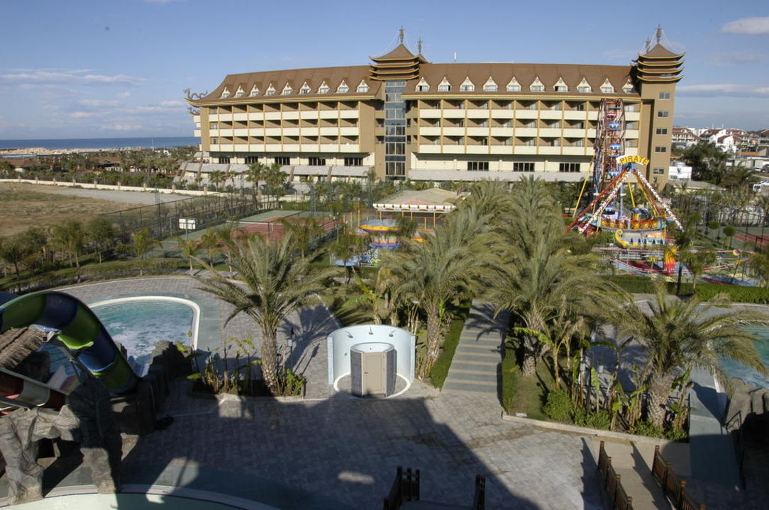 Hotel vom Aquapark aus gesehen Hotel Royal Dragon
