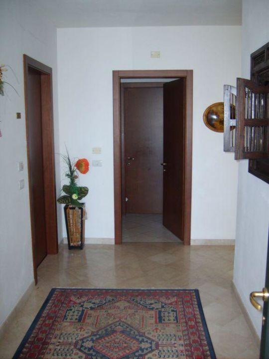Flur zur Wohnung Hotel Giada