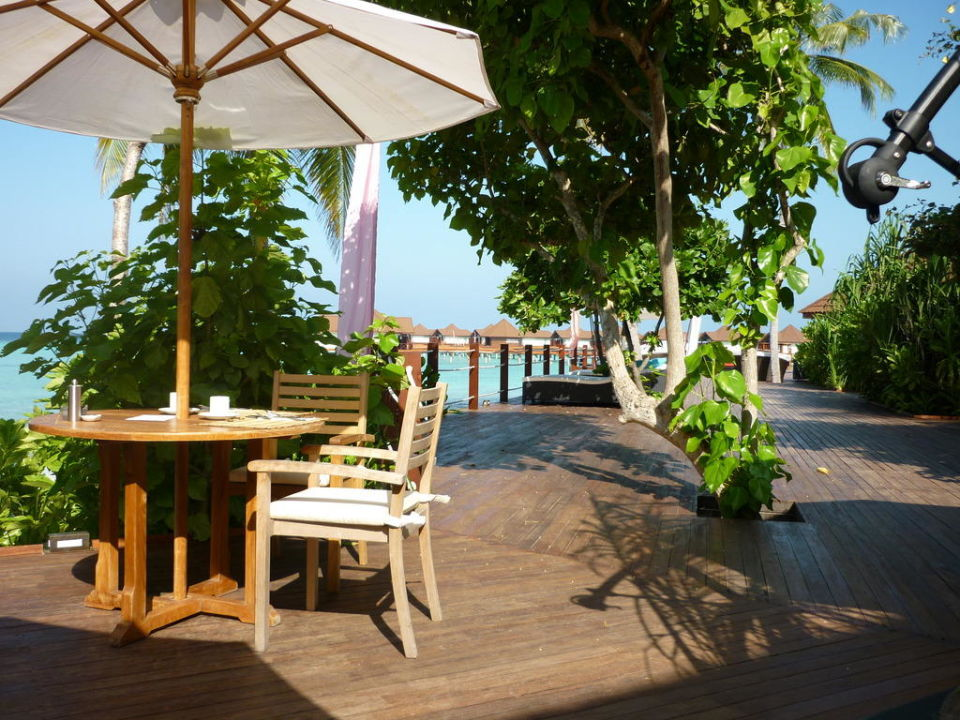 Frühstücksterrasse Robinson Club Maldives - Adults Only