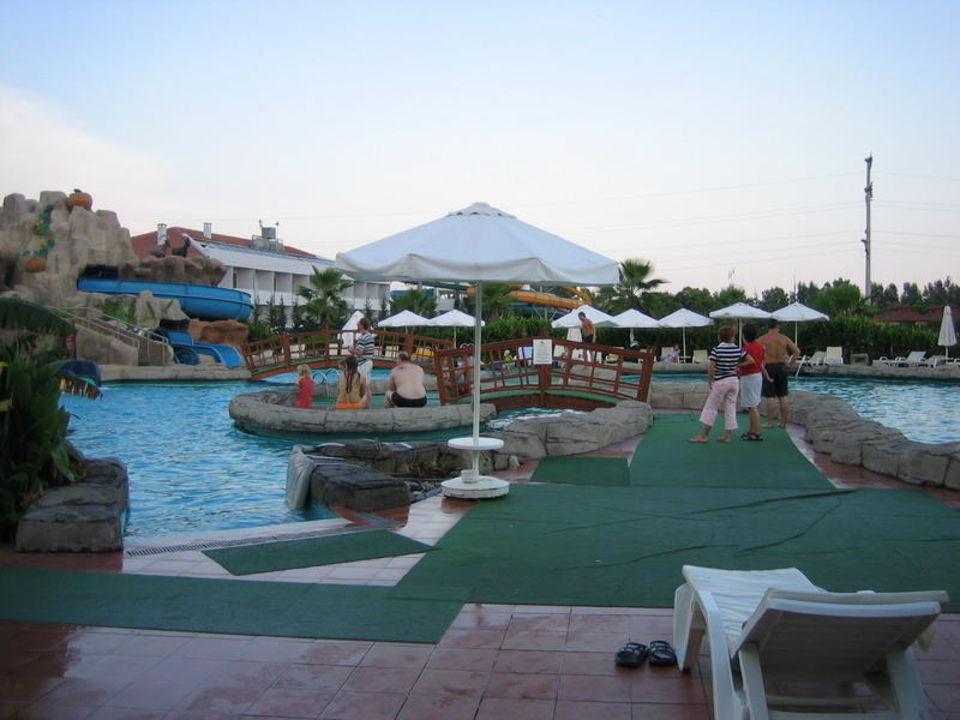 Zugangsbreich im Lunapark Hotel Silence Beach Resort