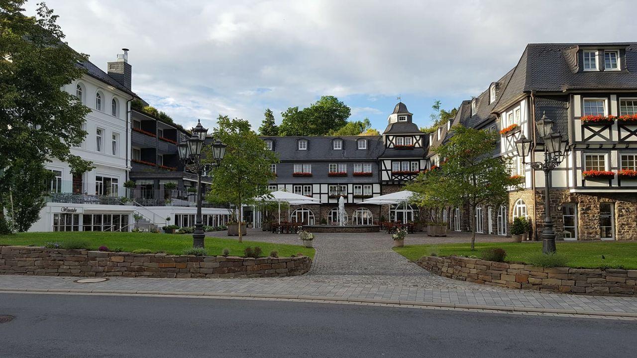 au enansicht romantik wellnesshotel deimann schmallenberg holidaycheck nordrhein. Black Bedroom Furniture Sets. Home Design Ideas
