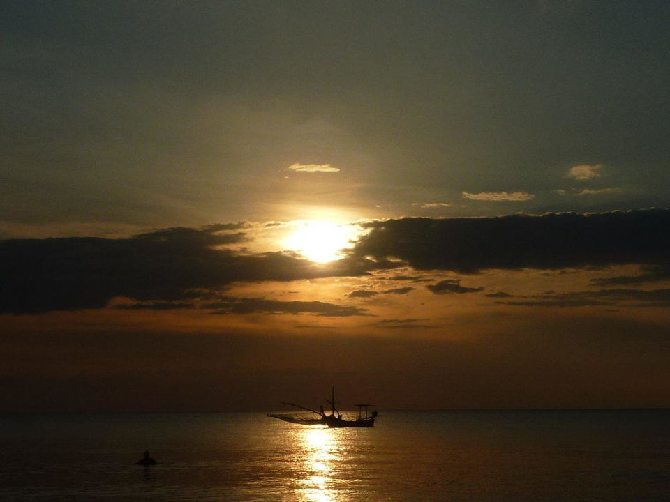 Sonnenuntergang Hotel Mukdara Beach Villa & Spa Resort