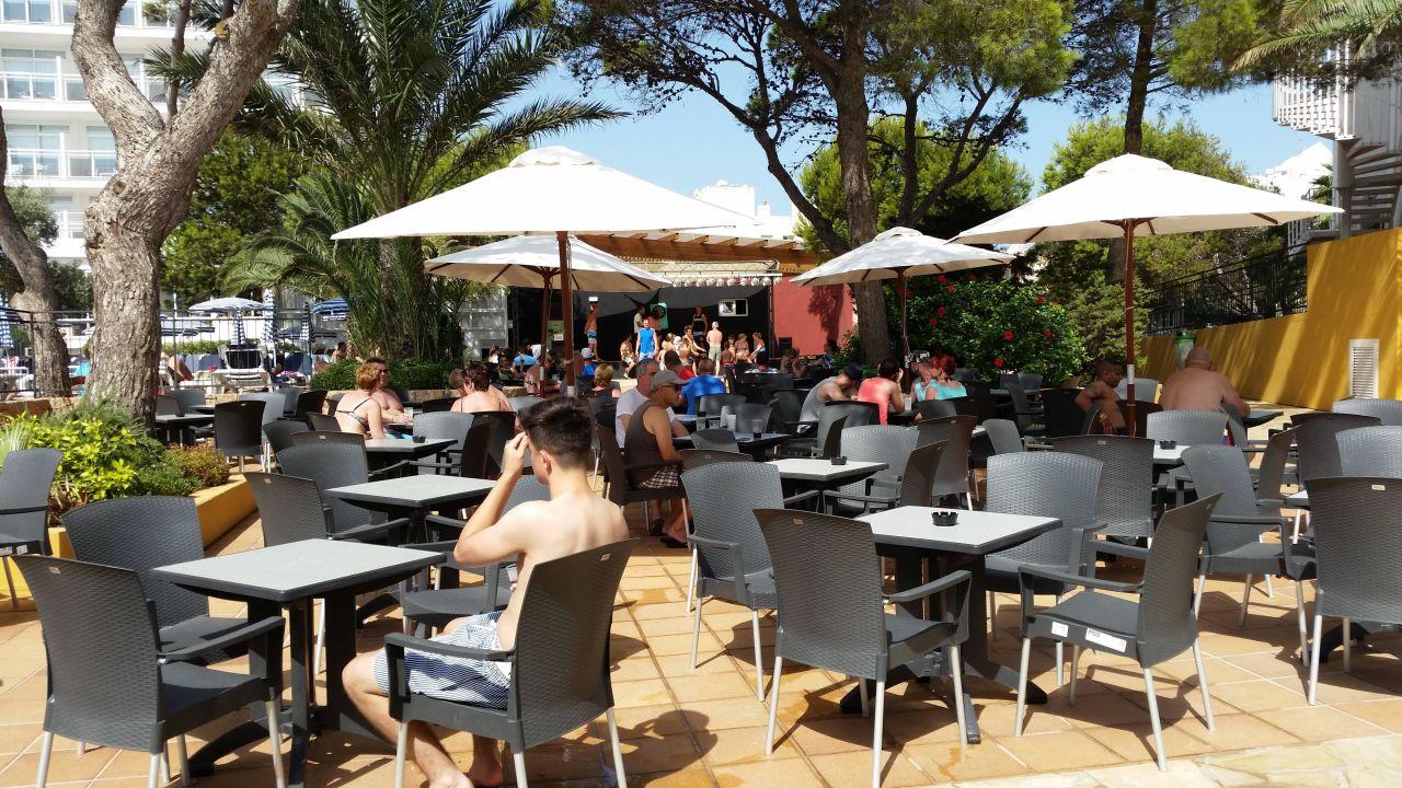 Aussenanlage Mit Buhne Fiesta Hotel Milord Sant Antoni De Portmany