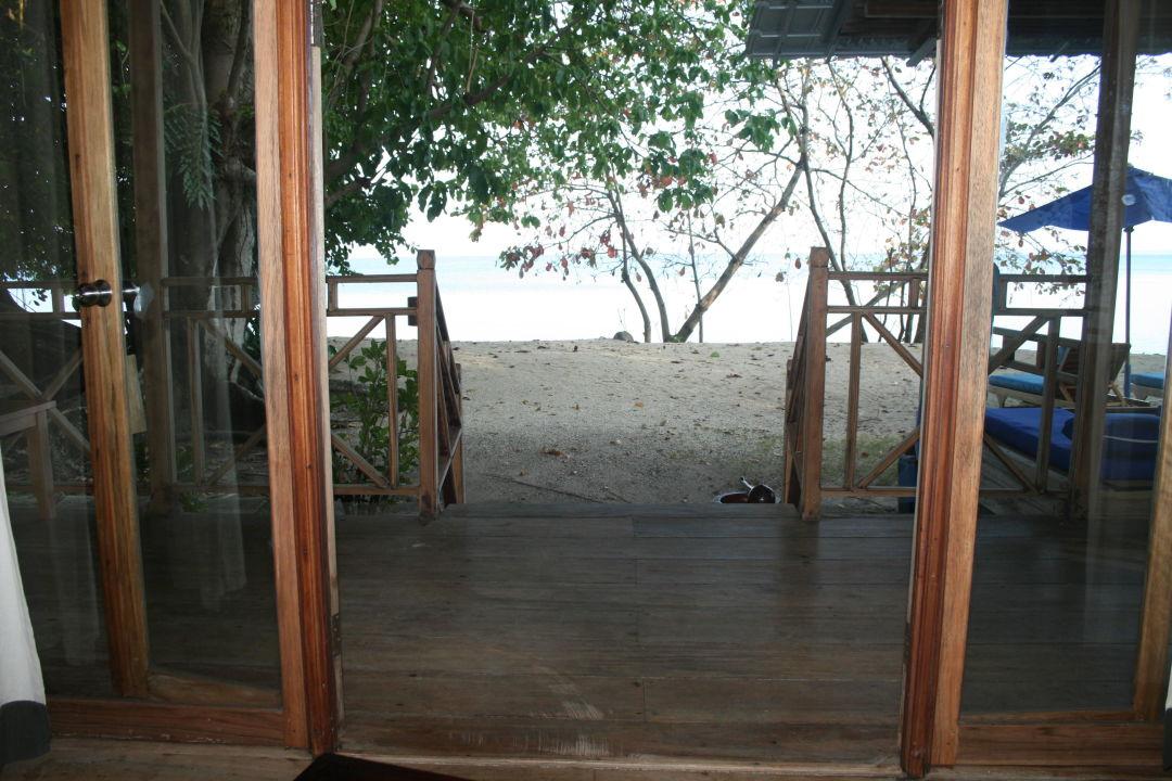 blick vom bett nach drau en hotel siladen resort spa siladen holidaycheck sulawesi. Black Bedroom Furniture Sets. Home Design Ideas