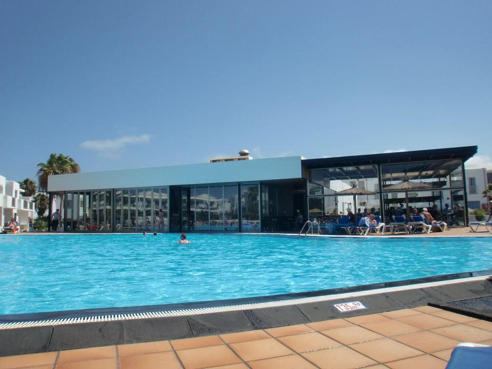 Gro er pool salzwasser hintergrund poolbar hotel floresta puerto del carmen - Pool salzwasser ...