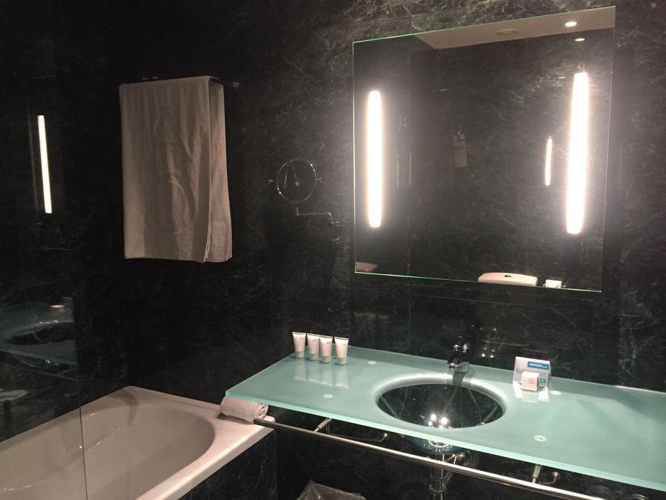 Bathroom Ac Hotel Barcelona Forum A Marriott Lifestyle Hotel