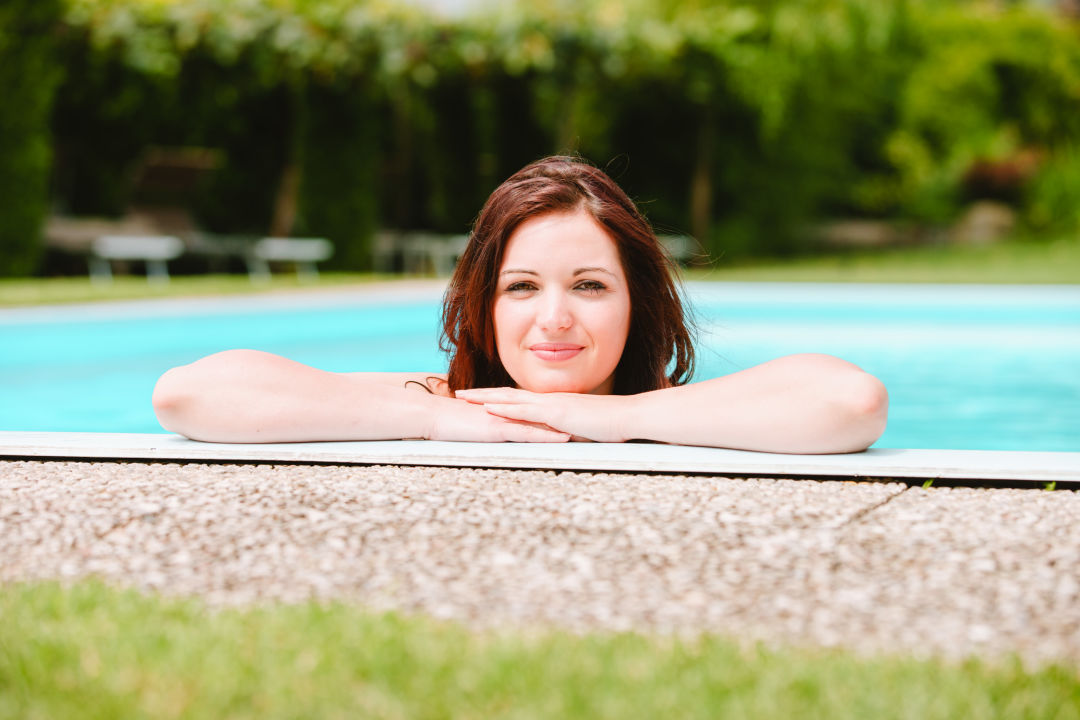 Pool Im Tiefenbrunn Gardensuites & Residence