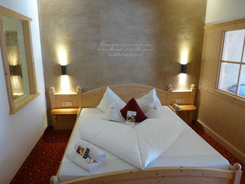 Romantisches schlafzimmer hotel schulerhof plaus holidaycheck s dtirol italien for Romantisches schlafzimmer
