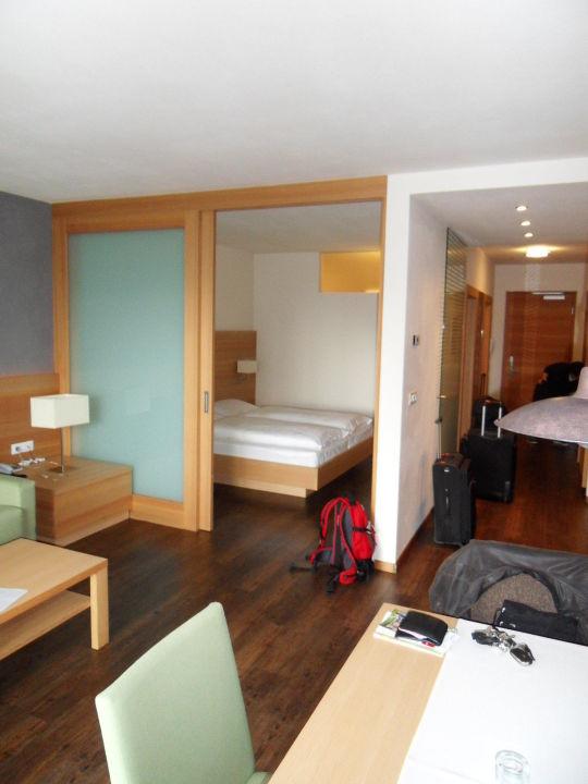 Wohn-/Schlafzimmer mit Trennwand\