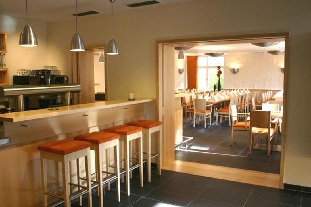 Moderne Hausbar Zum Gemeinsamen Umtrunk Hotel Alpenblick Ohlstadt