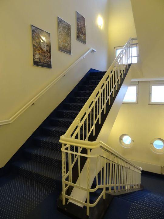 Bild treppenhaus zur sauna im dachgeschoss zu arcona for Bilder fa r treppenhaus