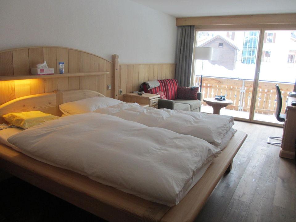 Sehr schönes rustikales grosses Schlafzimmer\