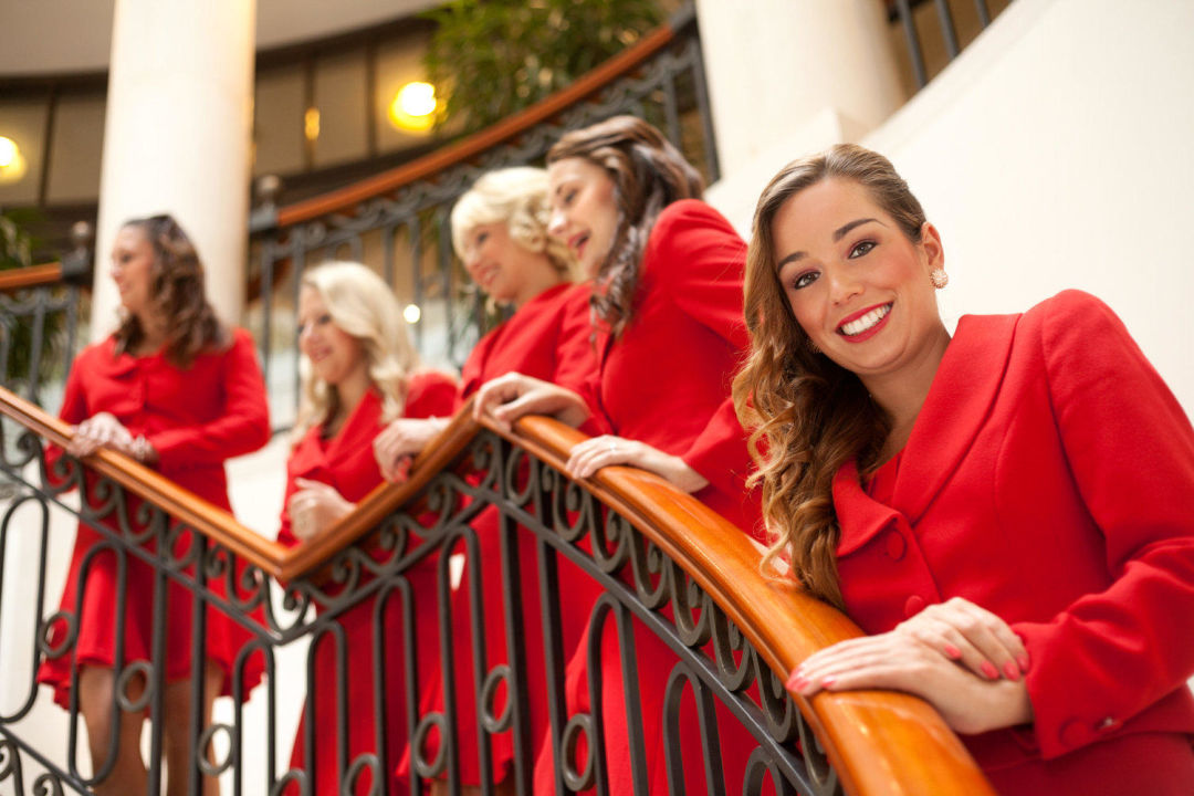 Quot Guest Relation Ladies In Red Quot Hotel Adlon Kempinski Berlin In Berlin Mitte Holidaycheck