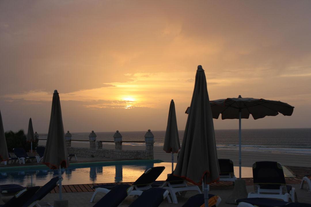 Pool im Sonnenuntergang IBEROSTAR Club Boa Vista