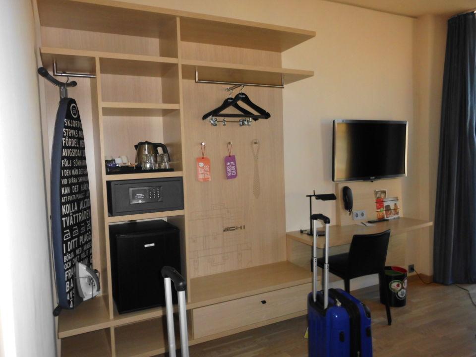 bild wandtattoo zu hotel scandic hamburg emporio in hamburg. Black Bedroom Furniture Sets. Home Design Ideas