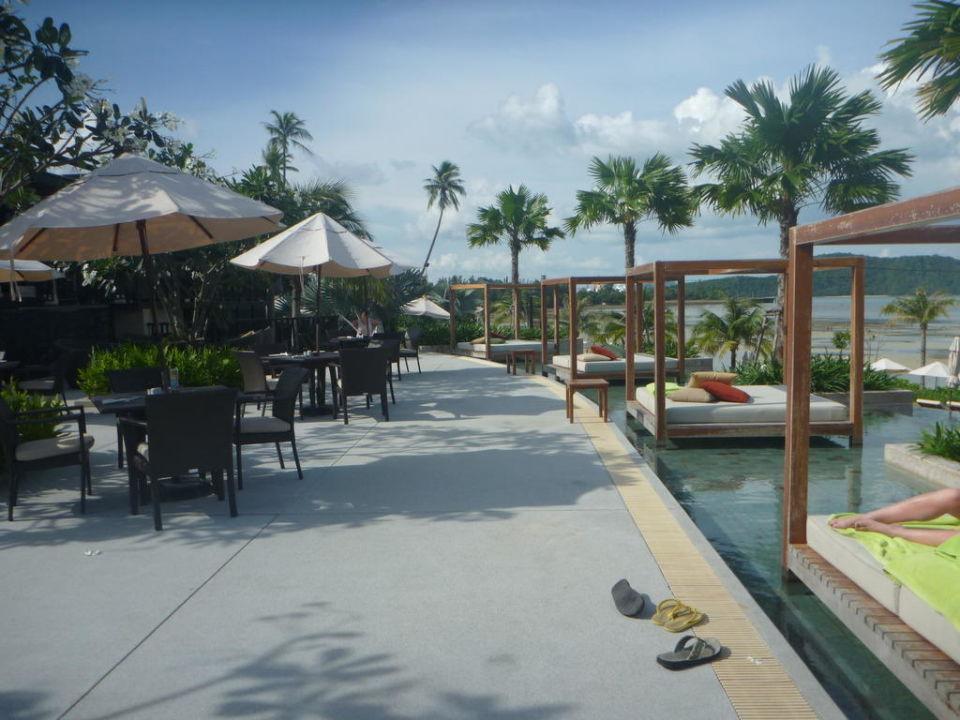 Am mittleren Pool Pullman Phuket Panwa Beach Resort