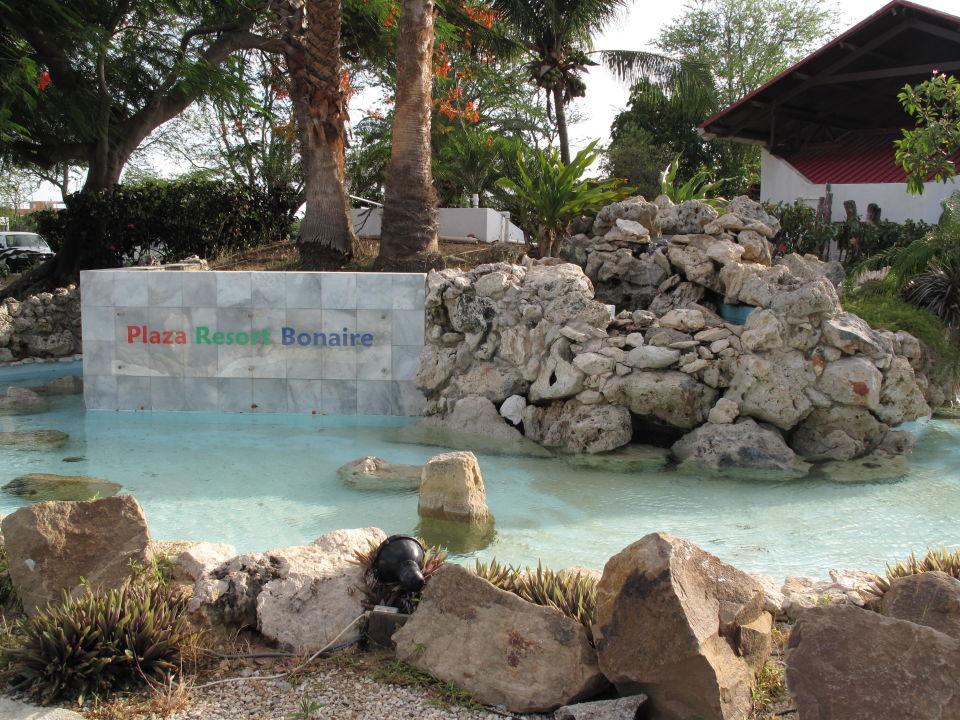 Eingang Hotel Plaza Resort Bonaire