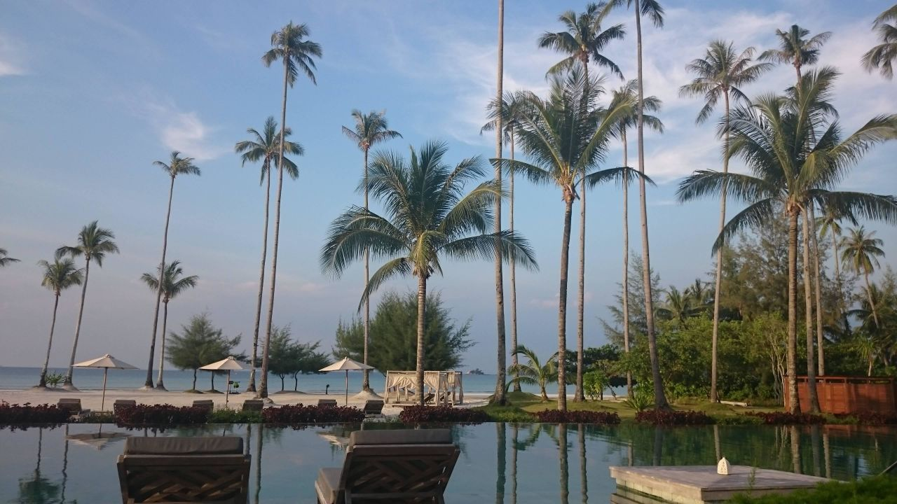 Pool Blick zum Strand The Sanchaya