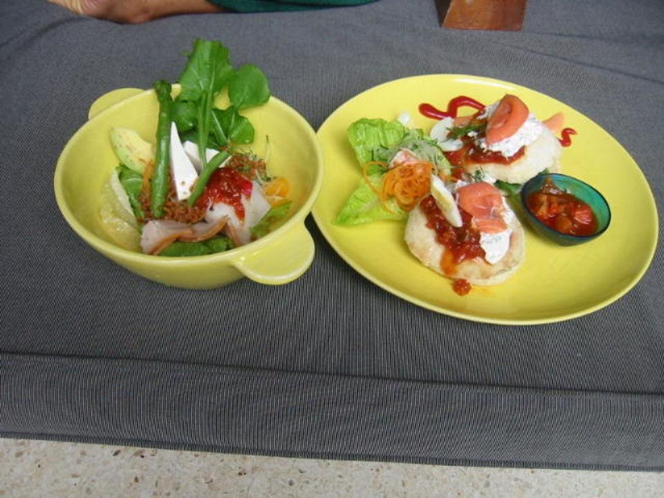 Kleiner Snack im Maya Ubud Maya Ubud Resort & Spa Bali