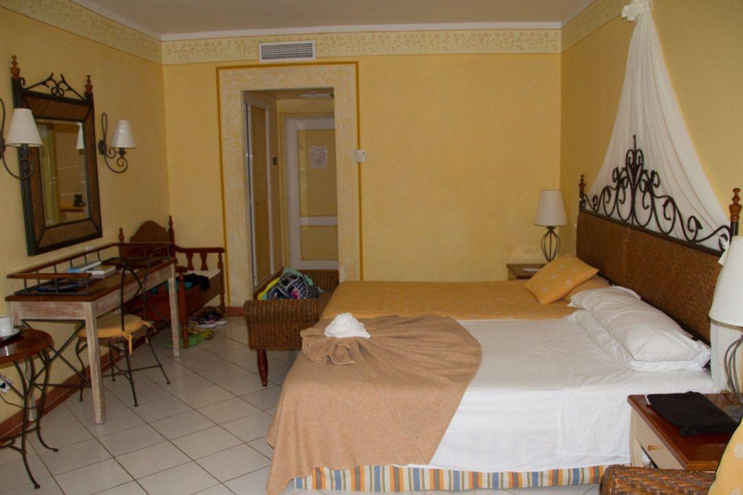 Bild taxi zu hotel playa pesquero in playa pesquero for Exotische hotels