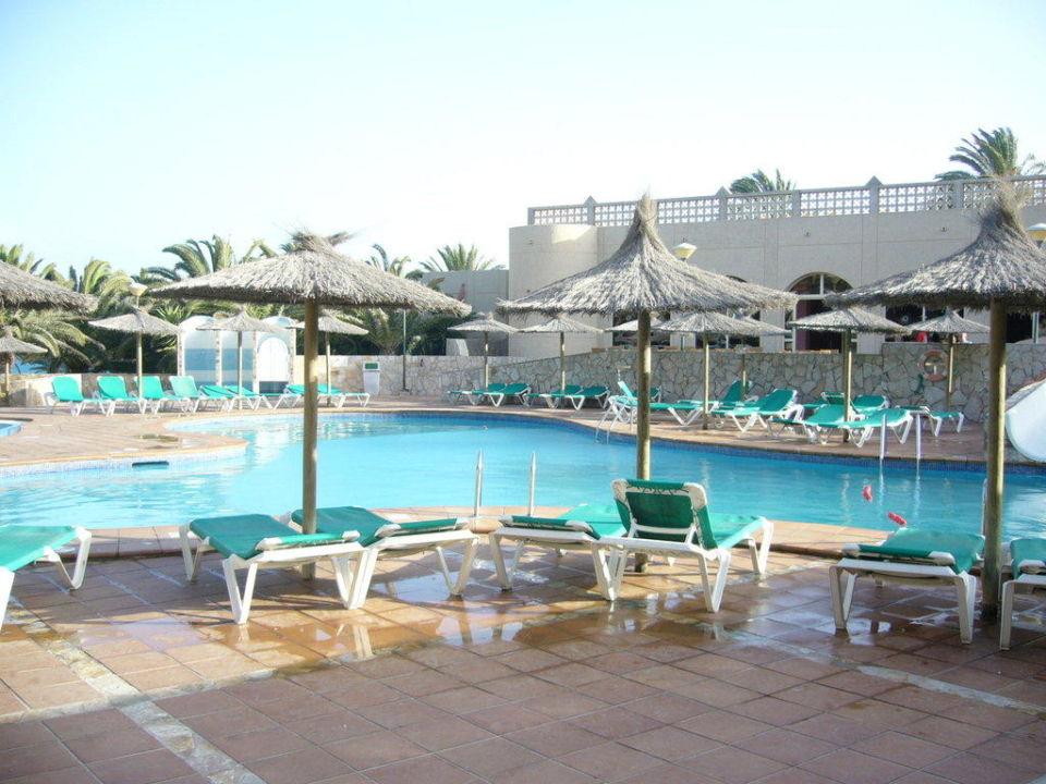 Der Hauptpool SBH Monica Beach Resort